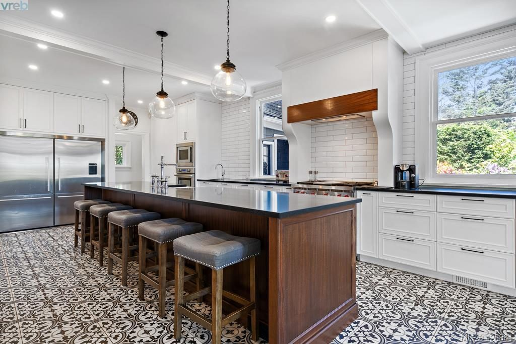 Kitchen at 1745 Rockland Ave